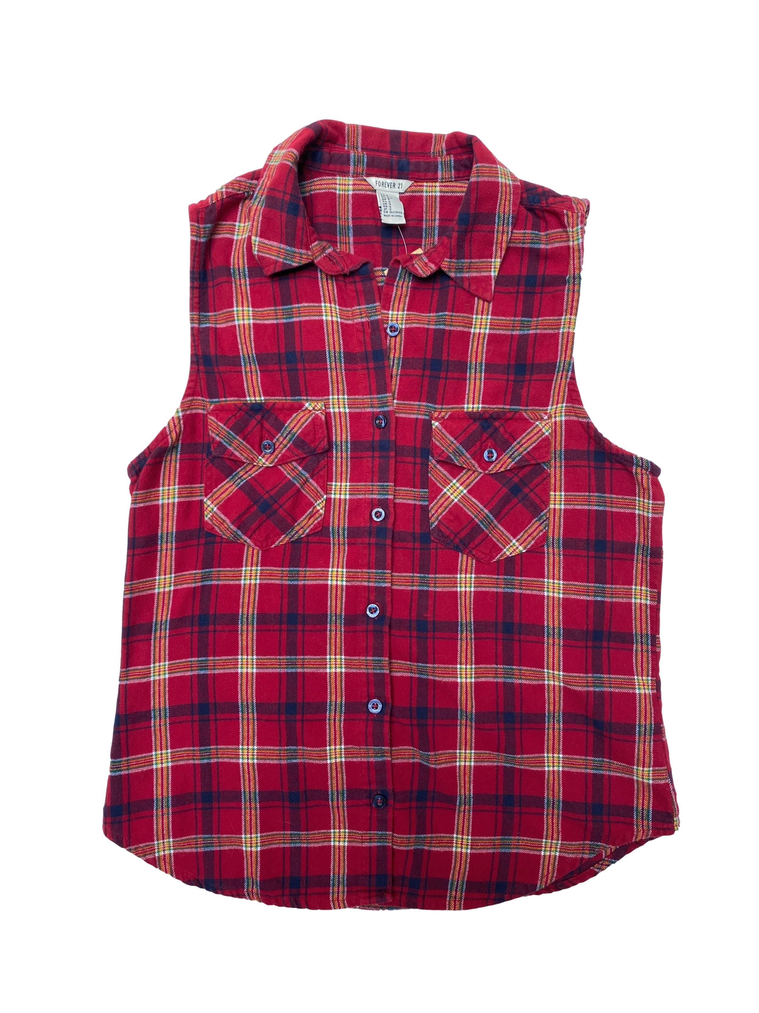 Blusa Forever21 de franela 100% algodón roja a cuadros con botones y bolsillos delanteros