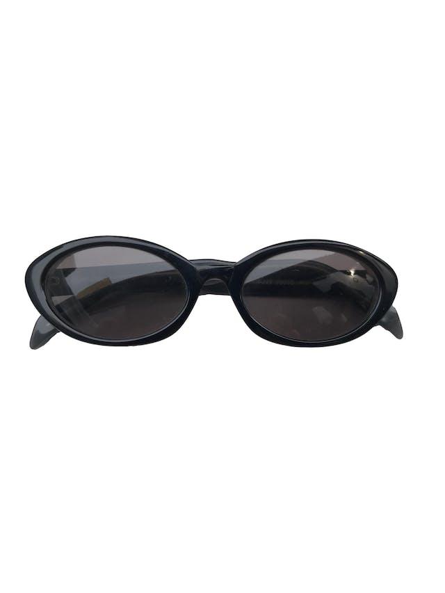 Lentes de sol DKNY 7803S de carey negro con interior gris. Estado 8/10 con signos de uso en las patas. Alto: 4 cm, ancho: 14 cm foto 1