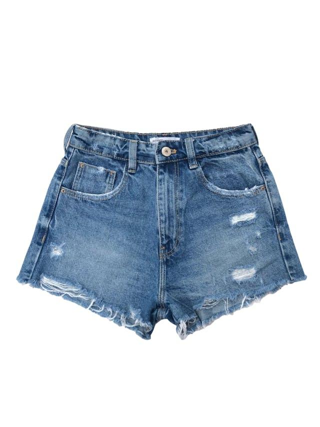Short jean Zara a la cintura, celeste con detalles lavados, rasgados y desflecados. Cintura 60cm Largo 30cm. Precio original S/ 129 foto 1