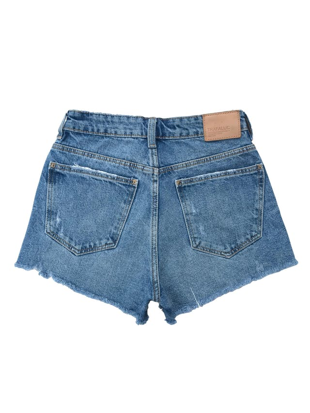 Short jean Zara a la cintura, celeste con detalles lavados, rasgados y desflecados. Cintura 60cm Largo 30cm. Precio original S/ 129 foto 2