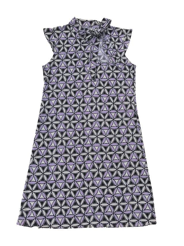 Vestido D.A.G. negro con pétalos plomos y lilas, tela stretch, con lazo y escote gota en el cuello. Largo 82cm foto 1