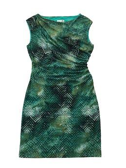 Vestido ETC stretch con print en tonos verdes, forrado, con drapeado lateral.  Largo 95cm foto 1