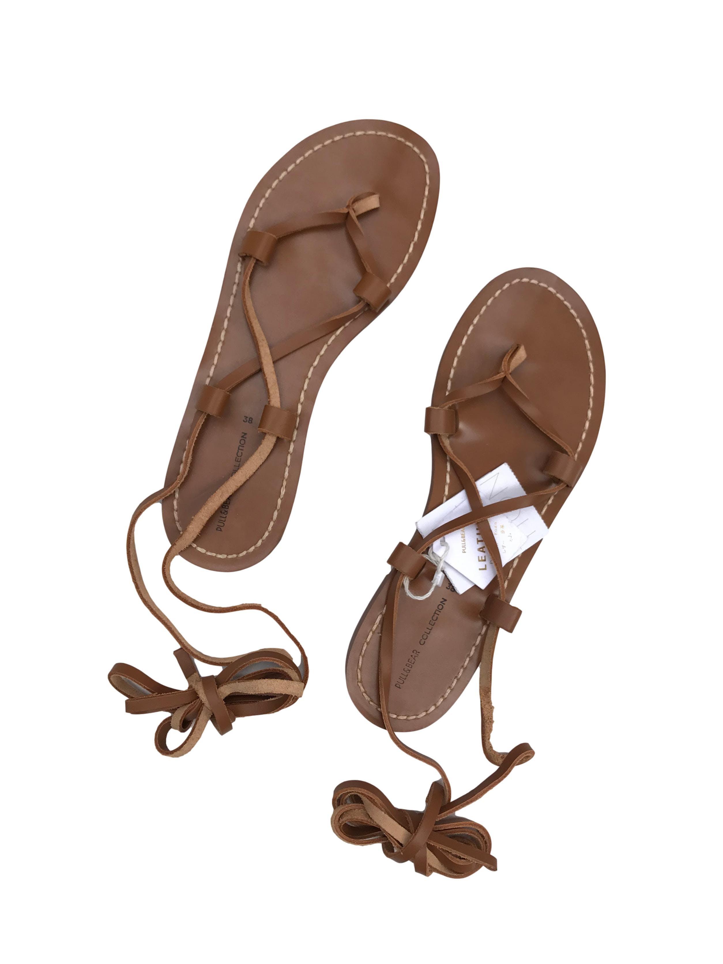 Sandalias Pull&bear gladiadoras de cuero caramel. Nuevas con etiqueta,vienen con funda, precio original S/129