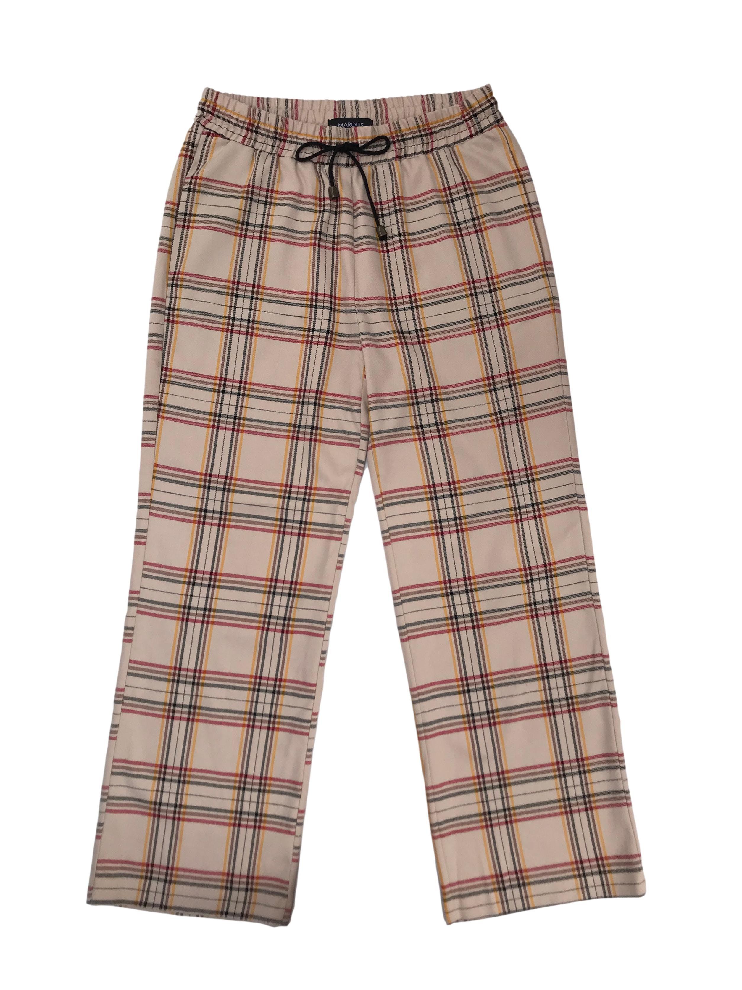 Pantalón Marquis beige a cuadros, corte recto, pretina elástica con pasador y bolsillos laterales. Cintura 76cm sin estirar