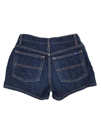 Short vintage Guess de jean azul 100% algodón. Cintura 66cm Largo 30cm foto 2