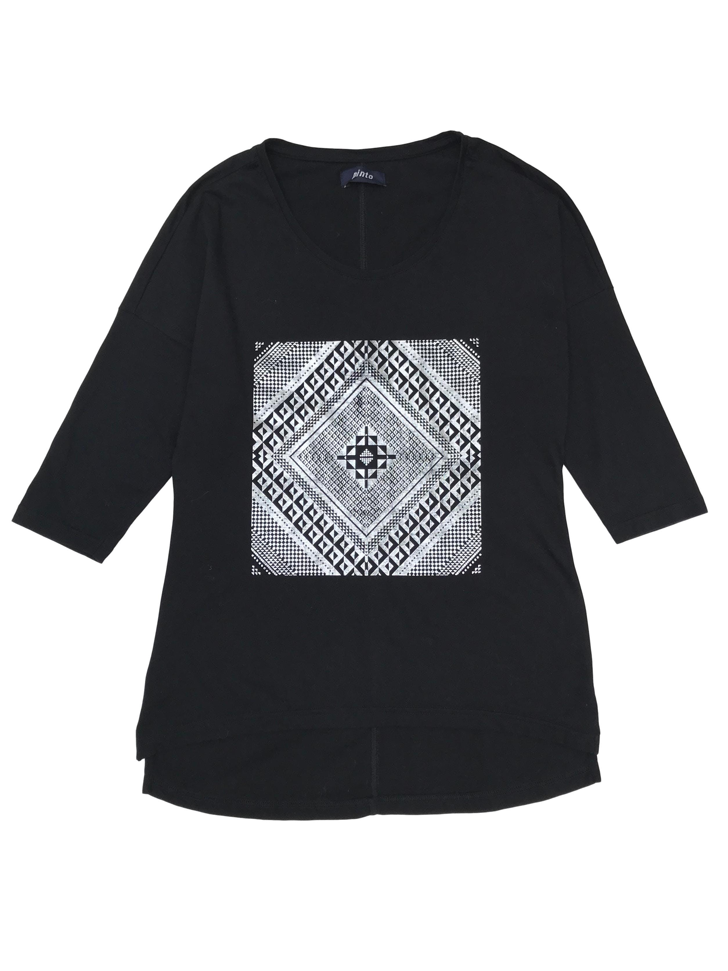 Polo negro 100% algodón con estampado plateado y manga 3/4