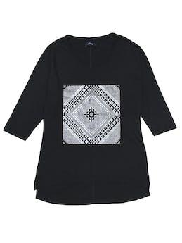 Polo negro 100% algodón con estampado plateado y manga 3/4 foto 1