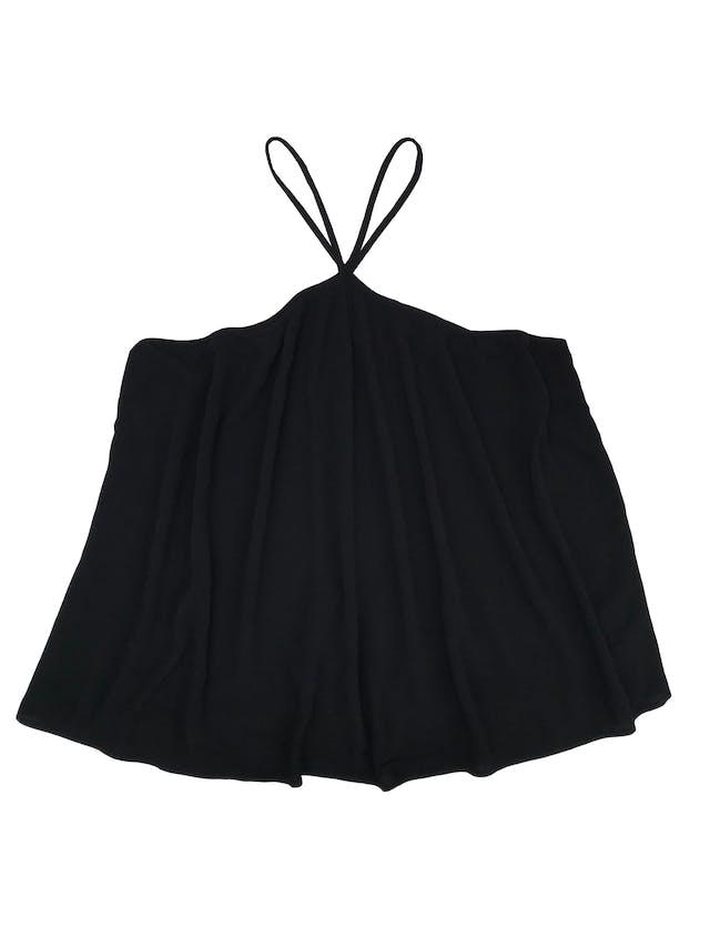 Blusa Zara de tela texturada cruzada en el cuello. Busto 100cm Largo desde sisa 40cm foto 1