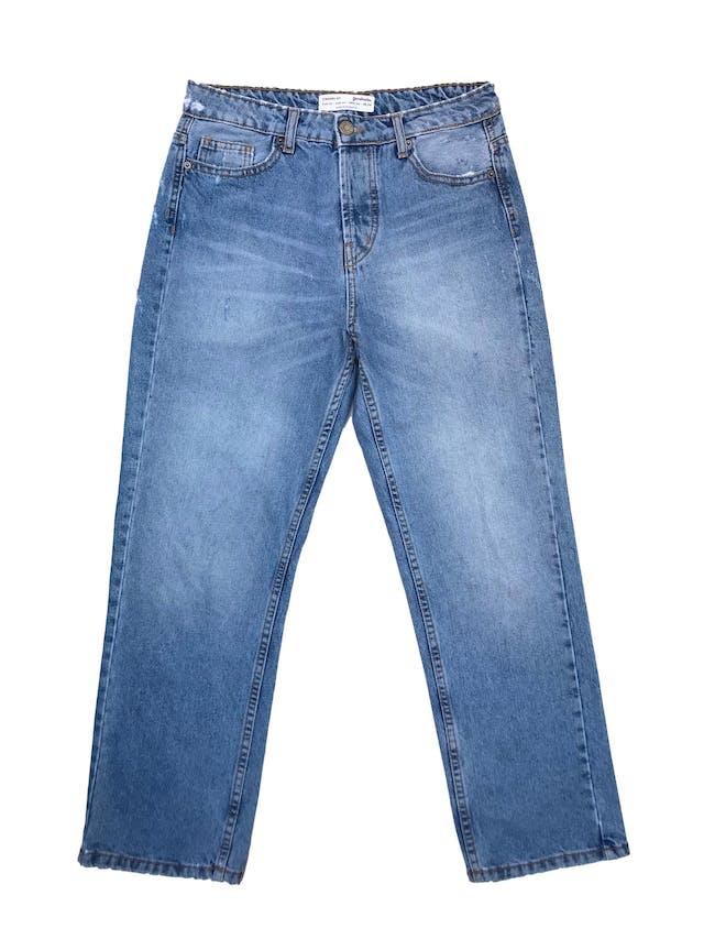 Pantalón jean Stradivarius a la cintura, corte recto con detalles rasgados, denim grueso 100% algodón.Cintura 72cm Largo 94cm foto 1