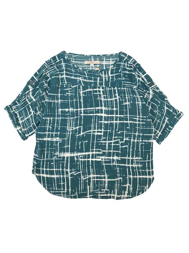 Blusa Loft oversize de rayón con estampado de líneas, mangas con detalles en los hombros y dobladillo. foto 1
