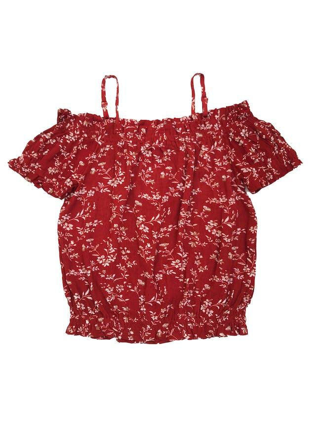 Blusa corta Papermoon de rayón ladrillo con print de flores, off shoulder con tiras en los hombros y elástico en mangas y basta. Nueva foto 1