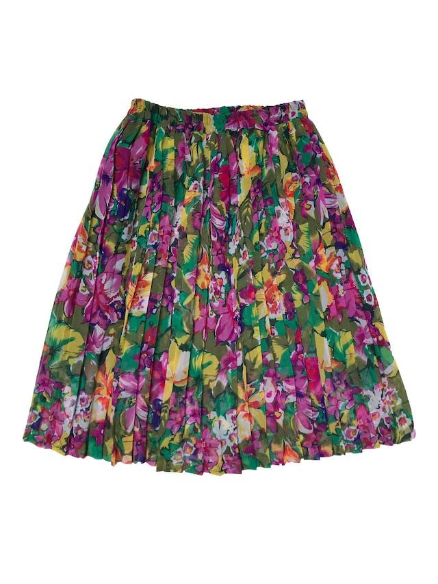 ¡HERMOSA! Falda midi vintage de gasa plisada con estampado de flores, forrada y con pretina elástica. Cintura 76 cm sin estirar Largo 70cm foto 2