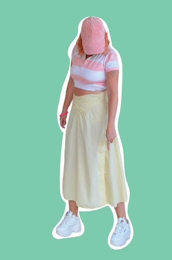 Gorra palo rosa de tela acanalada acolchada. Velcro posterior para regular el tamaño. Nueva con etiqueta. foto 1