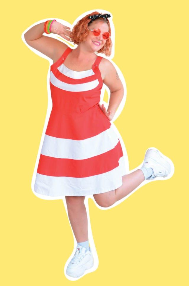 Vestido vintage rojo de tirantes con franjas blancas, corte a la cintura y falda con vuelo. Busto 100cm Cintura 90cm Largo desde sisa 70cm foto 1