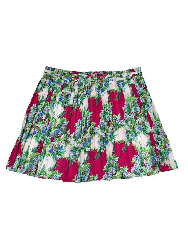 Falda vintage de gasa plisada guinda y crema con estampado de flores, lleva forro y cierre lateral. Pretina 84 cm Largo 45cm foto 2