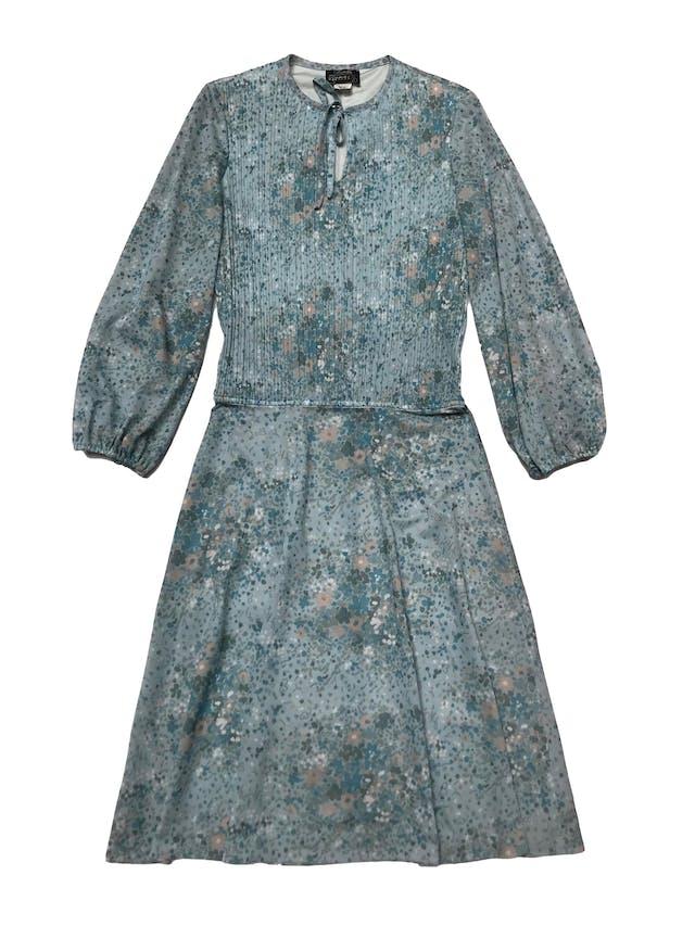 Vestido vintage celeste con print de flores, superior plisado y forrado, elástico en los puños y pasador en el cuello. Busto 100cm Largo 110cm foto 2