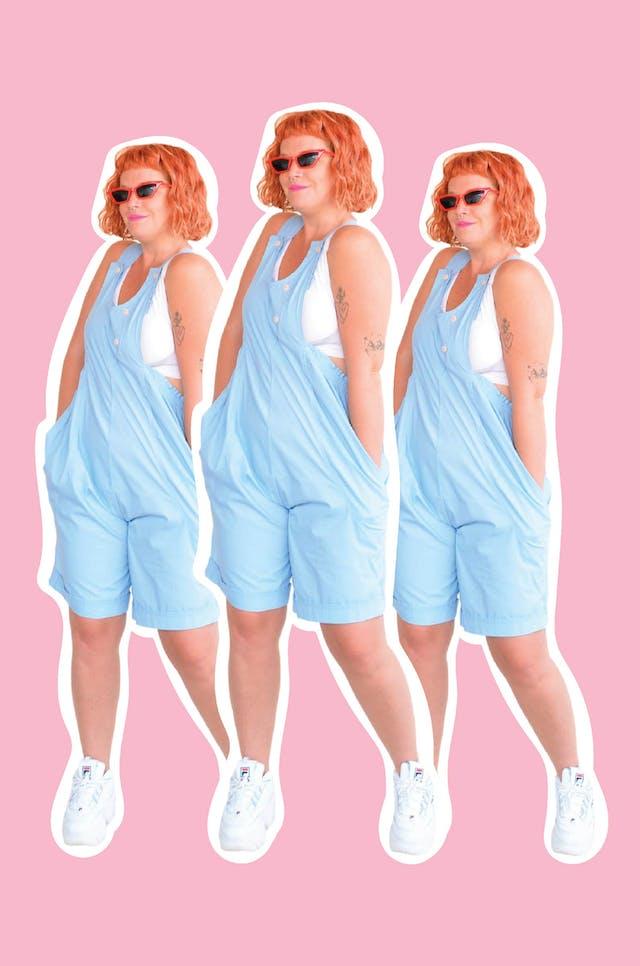 Oberol short celeste de tela tipo algodón camisa, con elástico y bolsillos laterales. Largo desde cintura 60cm.  foto 1