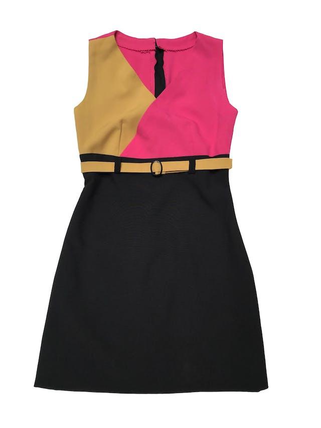 Vestido color block amarillo fucsia y negro, con cierre posterior. Busto 86cm Largo 82cm foto 2