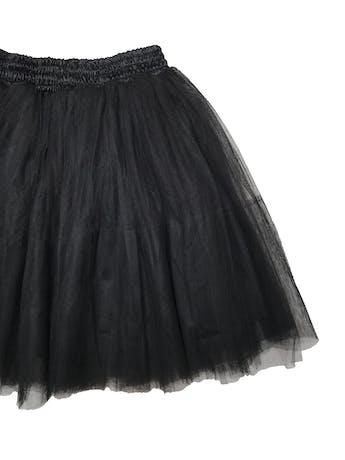 Falda Summacc by Susana Freire negra con 3 capas de tul y forro, pretina elástica de raso. Tiene un volumen HERMOSO. Largo 54cm foto 2
