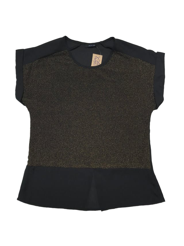 Blusa de gasa negra con delantero stretch de hilos dorados- Largo 57cm foto 1