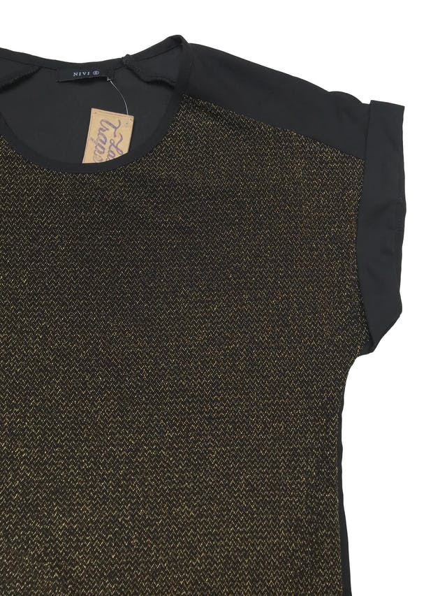 Blusa de gasa negra con delantero stretch de hilos dorados- Largo 57cm foto 2