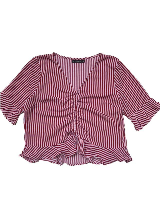 Blusa de crepé a rayas rosas y rojas, recogido delantero y volantes en mangas y basta. Busto 105cm Largo 50cm foto 1