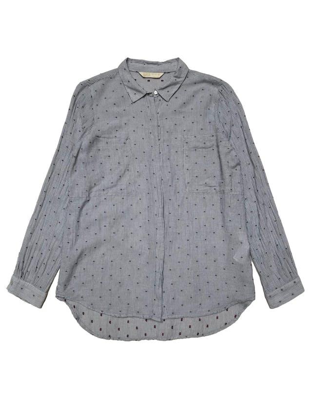 Blusa Zara de algodón a rayas con bordado guinda de circulitos, botones delanteros, bolsillos en el pecho y corte suelto. Busto 104cm Largo 65-70cm foto 1