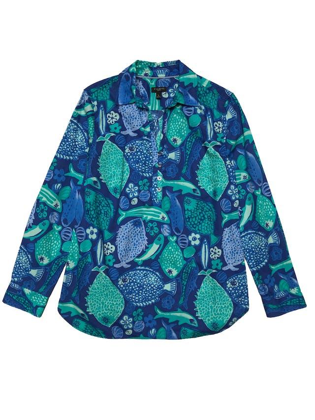 Blusa Talbots 100% algodón con textura en líneas, estampado de peces y flores de tonos azules, con botones en el pecho, es suelta. Busto 98cm Largo 65cm. Precio original s/ 290 foto 1