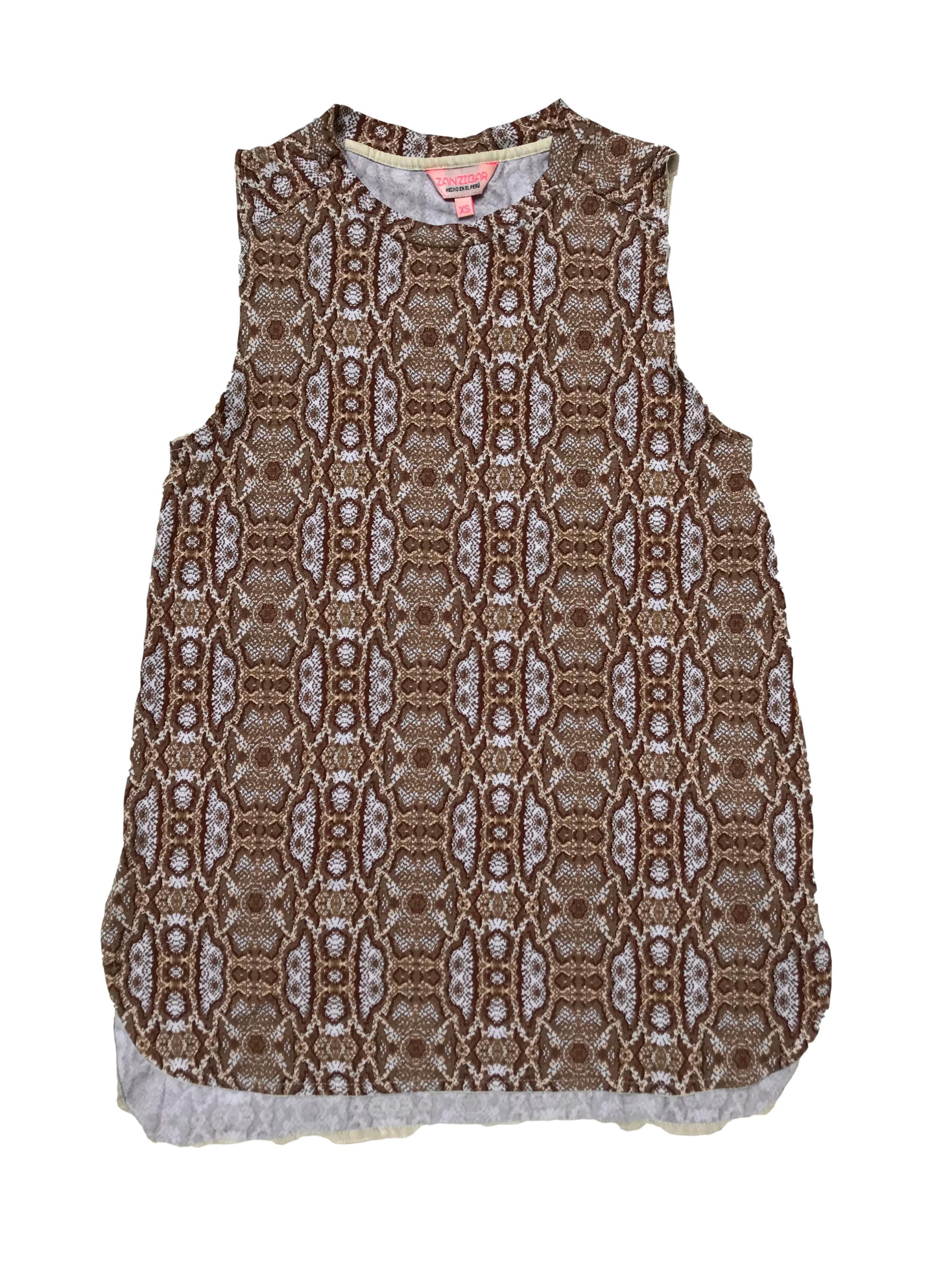 Polo Zanzibar con estampado en tonos marrones, tela tipo algodón con spandex. Largo 63cm.