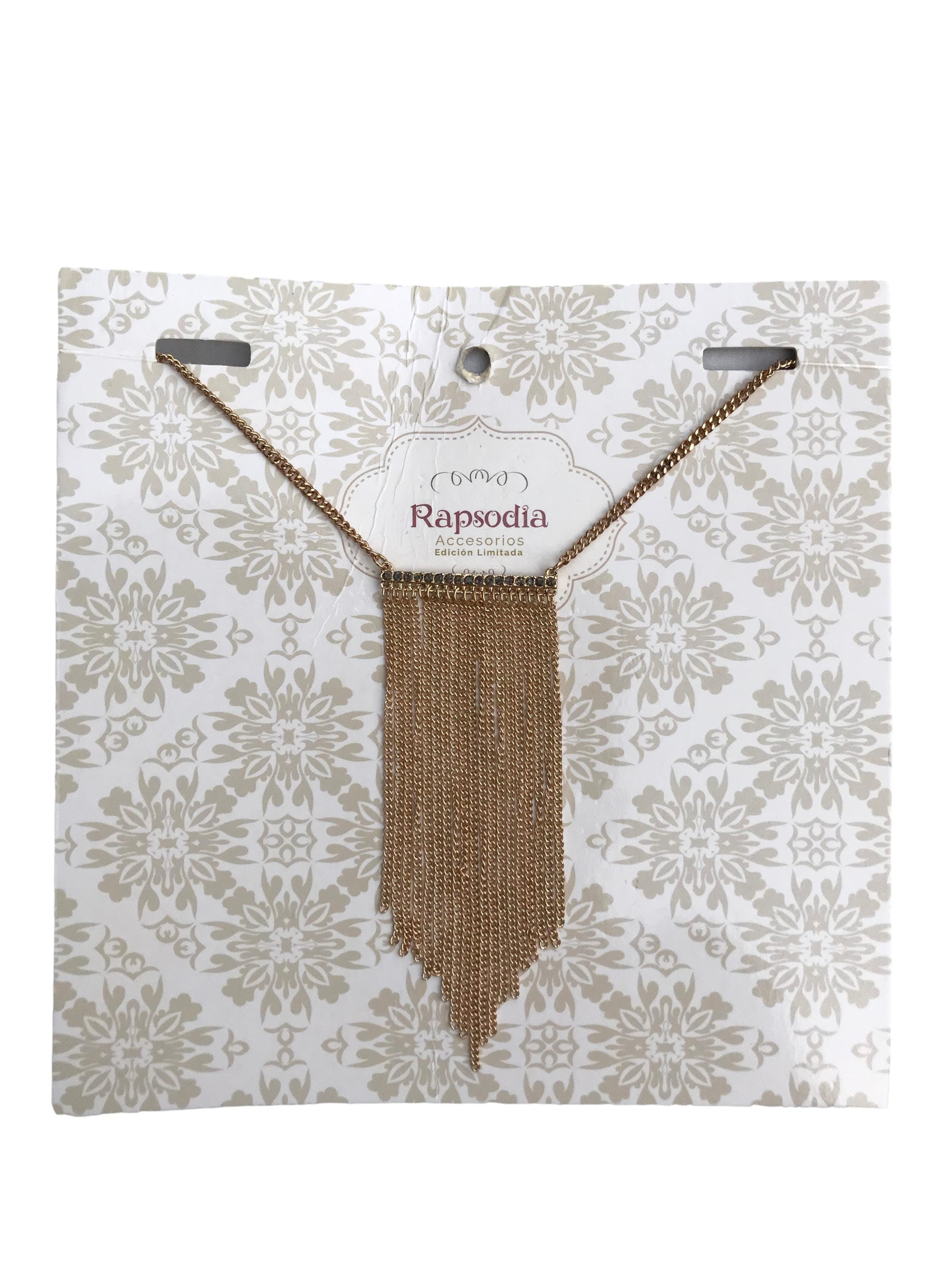 Collar cadena dorada con dije rectángulo con strass y cadenitas colgantes. Largo 66cm. Nuevo con etiqueta, precio original S/ 29.9