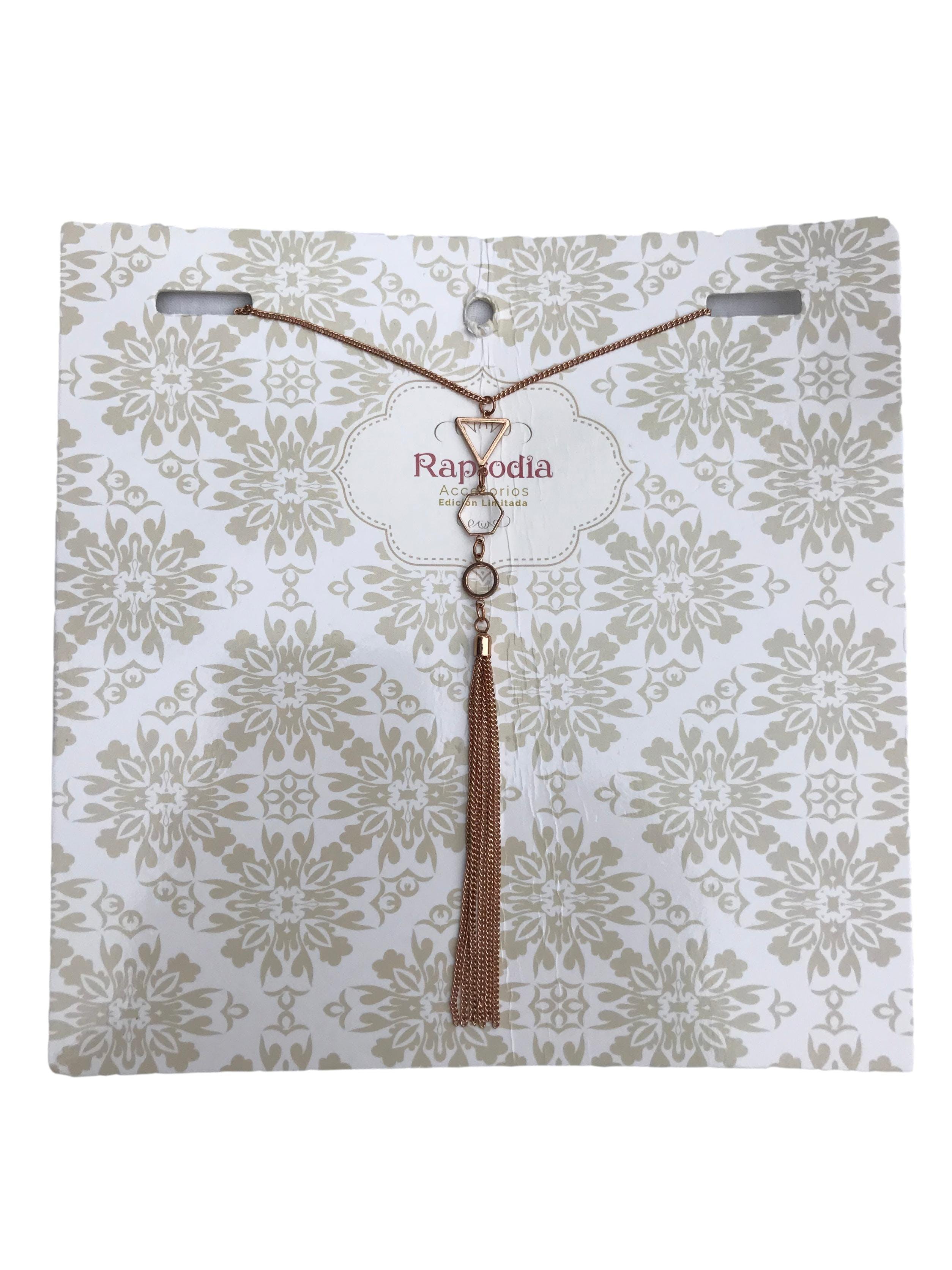 Collar cadena dorada con dijes geométricos y cadenitas colgantes. Largo 80cm. Nuevo con etiqueta, precio original S/ 29.9