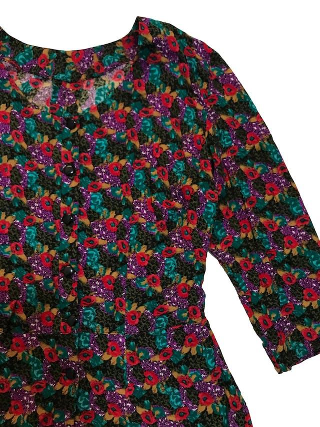 Blusa vintage tipo chalis con pinzas y corte a la cintura. Busto 98cm Cintura 75cm Largo 54cm foto 2