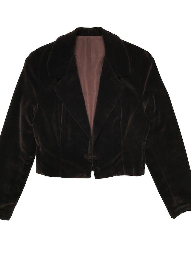 Chaqueta corta vintage tipo terciopelo marrón forrado, tiene hombreras, solapas y cuatro botones. Largo 45cm  foto 1