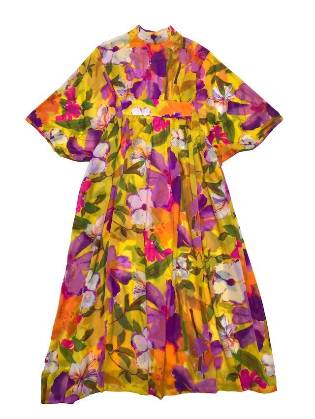 Túnica vintage de gasa amarilla con flores, estilo túnica con elástico interno para acentuar la cintura por adelante. ¡Hermoso y único! Largo 135cm foto 1