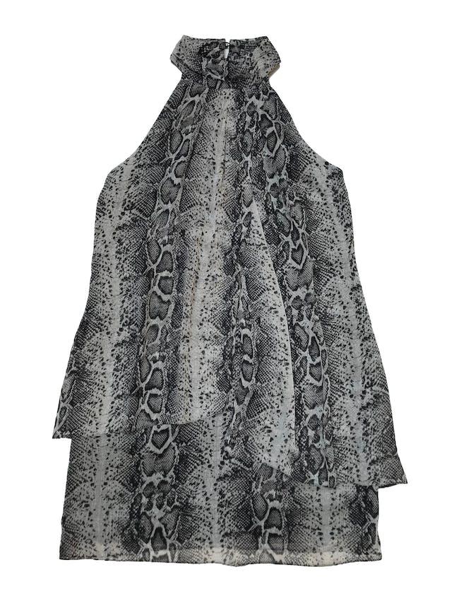 Vestido Mentha&chocolate de gasa print pitón, cuello con botones atrás, línea en A con dos capas adelante y lleva forro. Busto 96cm Largo desde sisa 68cm. Precio original S/ 249 foto 1