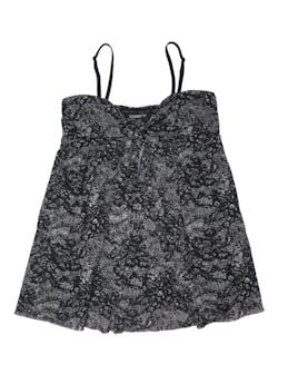 Blusa Express con tiritas removibles, tela tipo tul stretch negro con print crema, lazo en el pecho también removible. Largo desde sisa 50cm foto 1