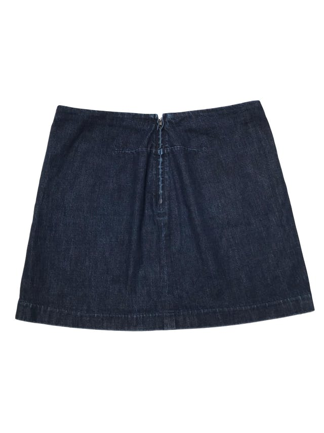 Falda Gap de denim grueso 100% algodón con bolsillos laterales y cierre posterior. Pretina 86cm Largo 43cm. foto 2