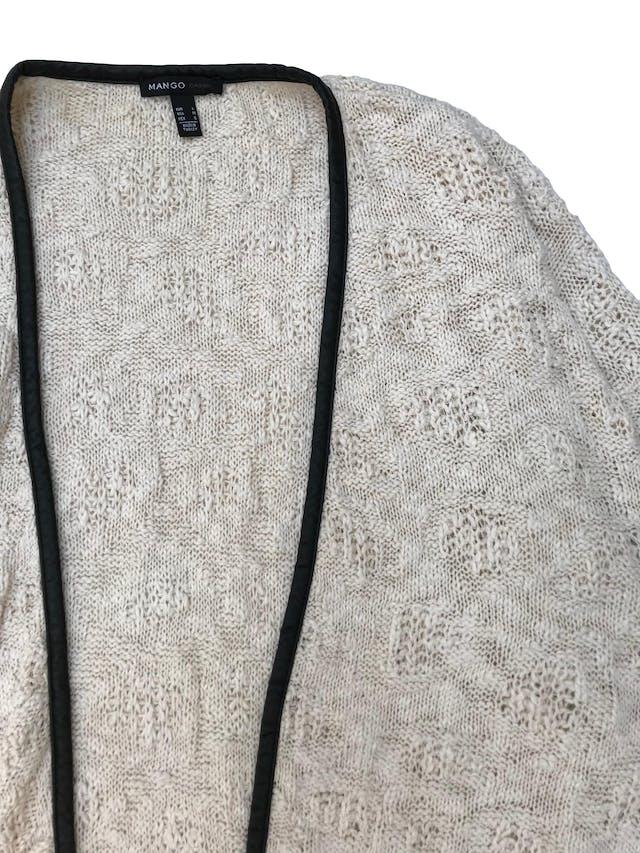 Cardigan Mango 100% algodón crema con ribetes de cuerina negra. Largo 70cm  foto 2