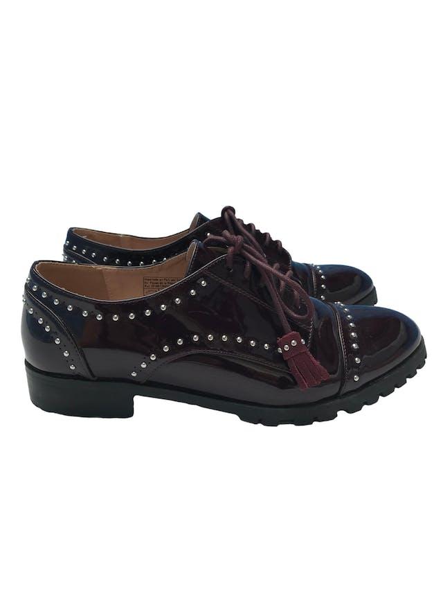 Zapatos oxford Basement de charol con aplicaciones plateadas y pasadores borla.Estado 8/10 foto 1