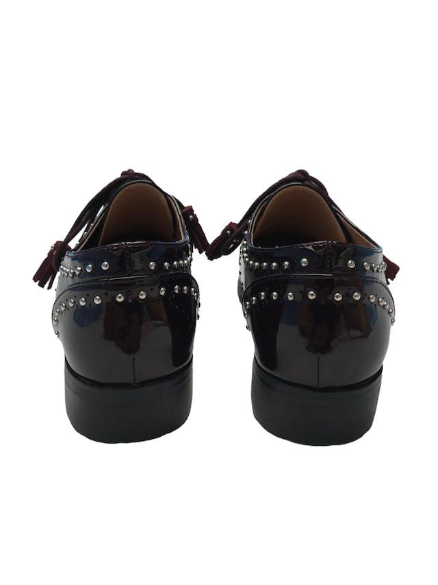 Zapatos oxford Basement de charol con aplicaciones plateadas y pasadores borla.Estado 8/10 foto 3