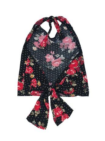 Blusa halter que se amarra en cuello y espalda, de rayón negro con print de lunares blancos y flores foto 2