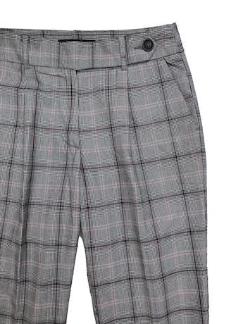 Pantalón príncipe de gales, con pliegues, tela plana, bolsillos laterales y pretina cruzada. Pretina 75cm Largo 92cm foto 2