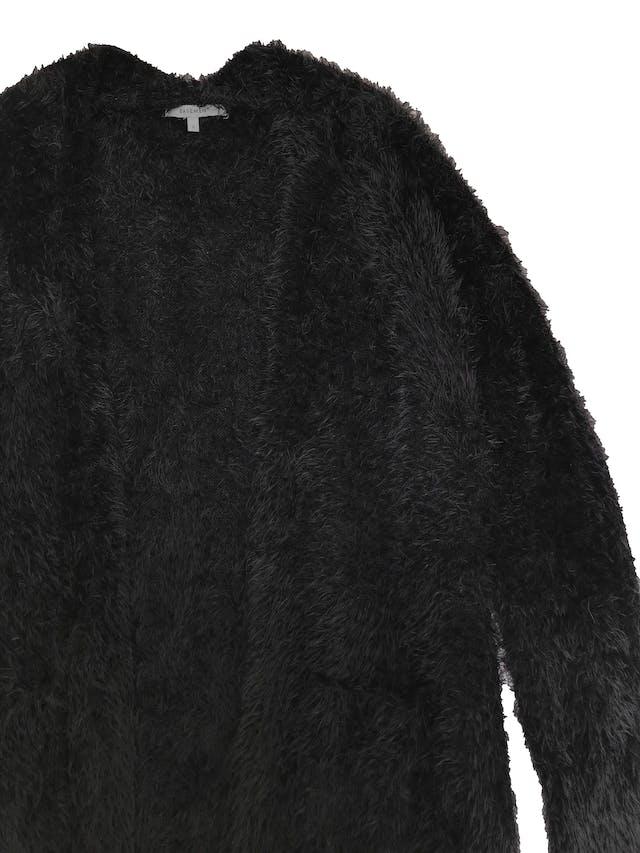 Cardigan largo Basement efecto pelo, modelo oversize abierto con bolsillos delanteros en la basta. Abriga y es rico al tacto. Largo 72cm foto 2