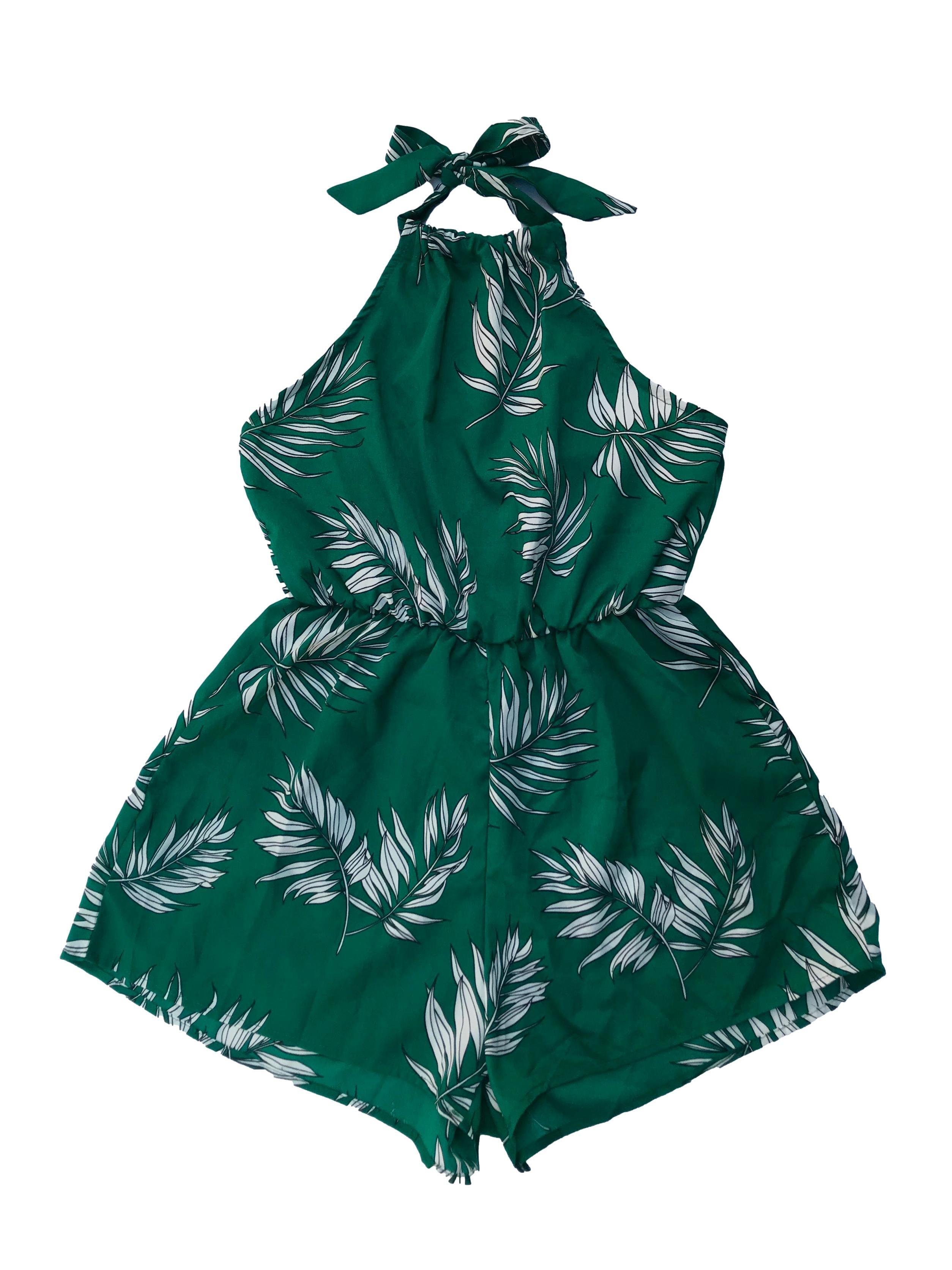 Enterizo short Zaful cuello halter con elástico en la cintura, tela plana fluida verde con estampado de hojas. Largo desde sisa 48cm. Nuevo con etiqueta.