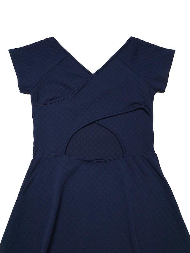 Vestido Hypnotic azul con textura, stretch, espalda cruzada y falda con vuelo. Largo 82cm foto 2