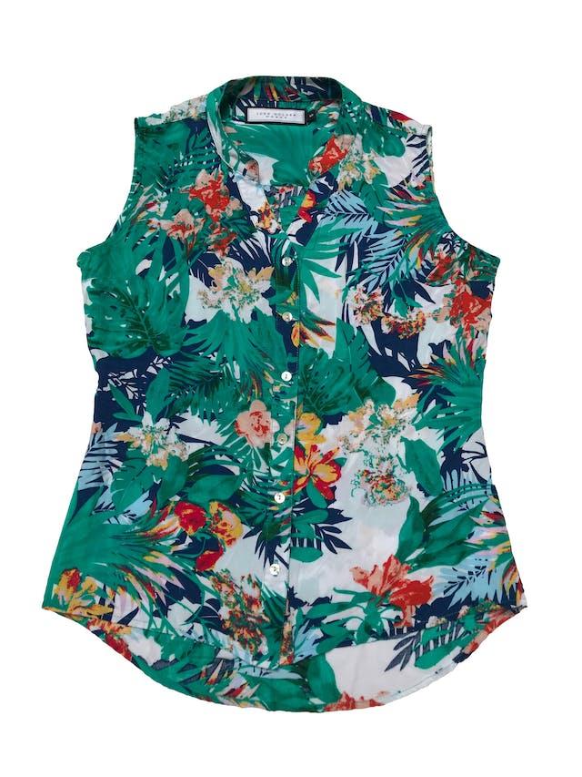 Blusa John Holden de tela fresca tipo rayón, estampado tropical  con botones al centro. Busto 92cm Largo 50 - 60cm foto 1