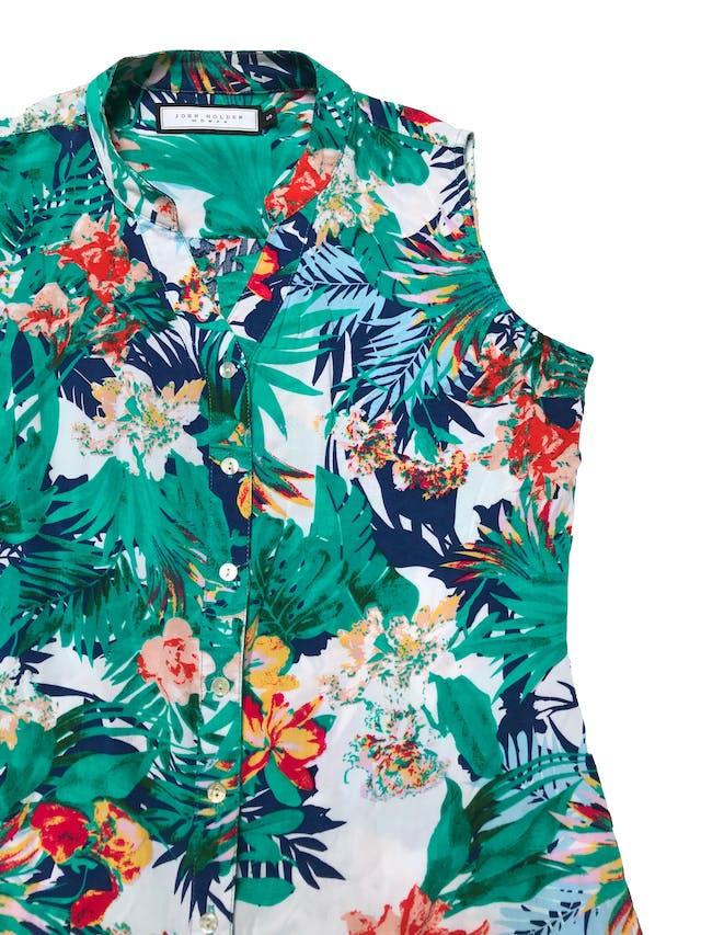 Blusa John Holden de tela fresca tipo rayón, estampado tropical  con botones al centro. Busto 92cm Largo 50 - 60cm foto 2