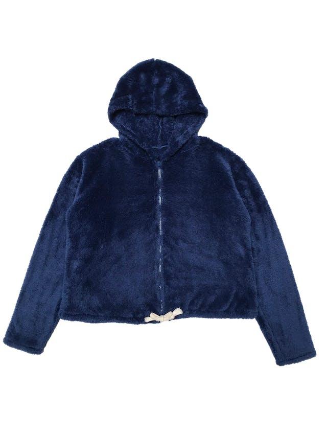 Casaca oversize de peluche azul con capucha y cierre delantero. Ancho 115cm Largo 50cm foto 1