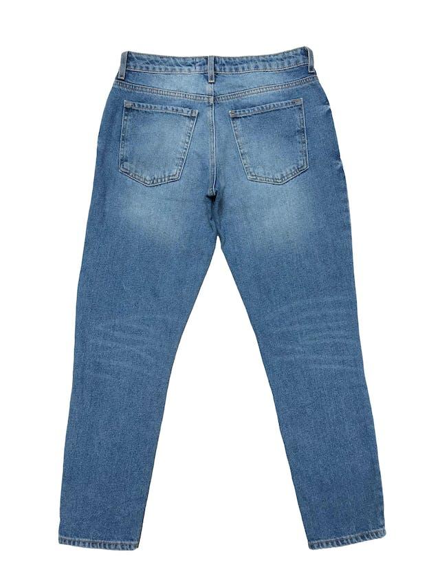 Destroyed jeans Forever21 denim rígido 1005 algodón, corte boyfriend. Pretina 74cm Largo 91cm foto 2