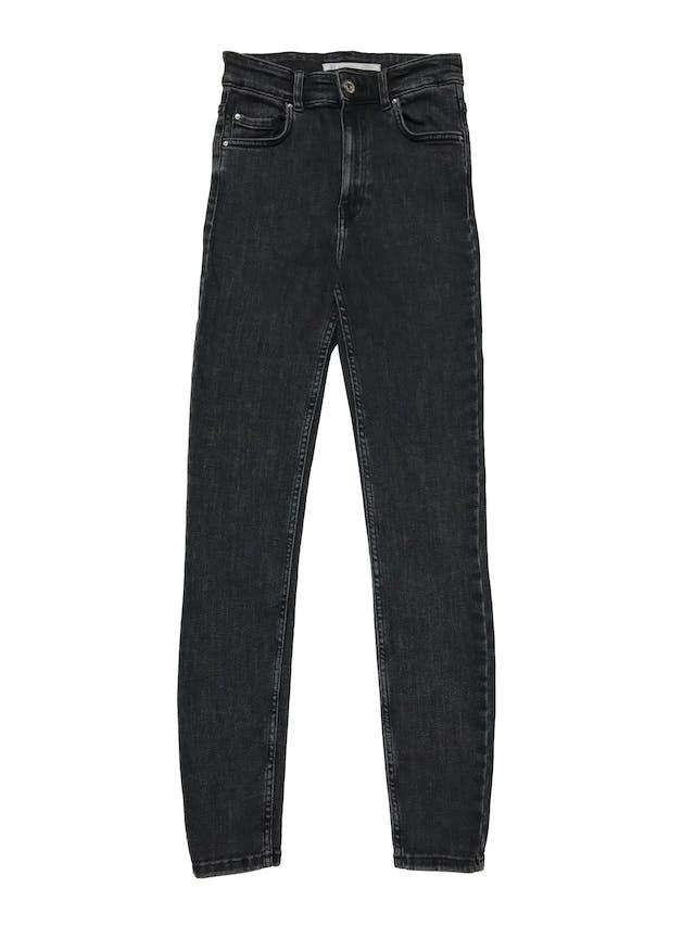 Skinny jean Zara cintura alta, negro efecto lavado. Cintura 60cm sin estirar Largo 98cm foto 1